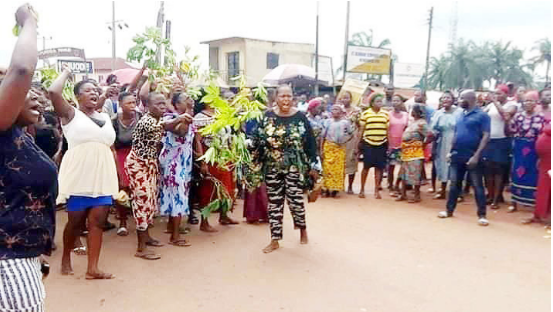 Enugu residents protest killing of pregnant woman by suspected herdsmen - residents, protest, pregnant woman, enugu residents, enugu east local, Enugu, east local government